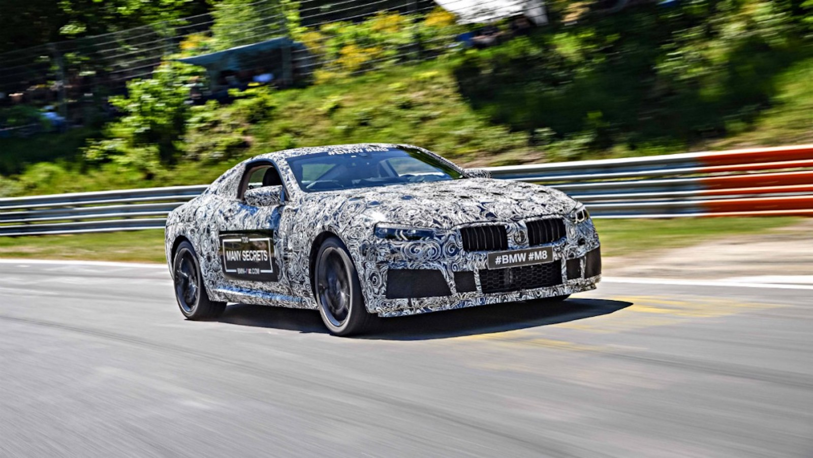 BMW M8 Gran Coupe 2020 года фото 1