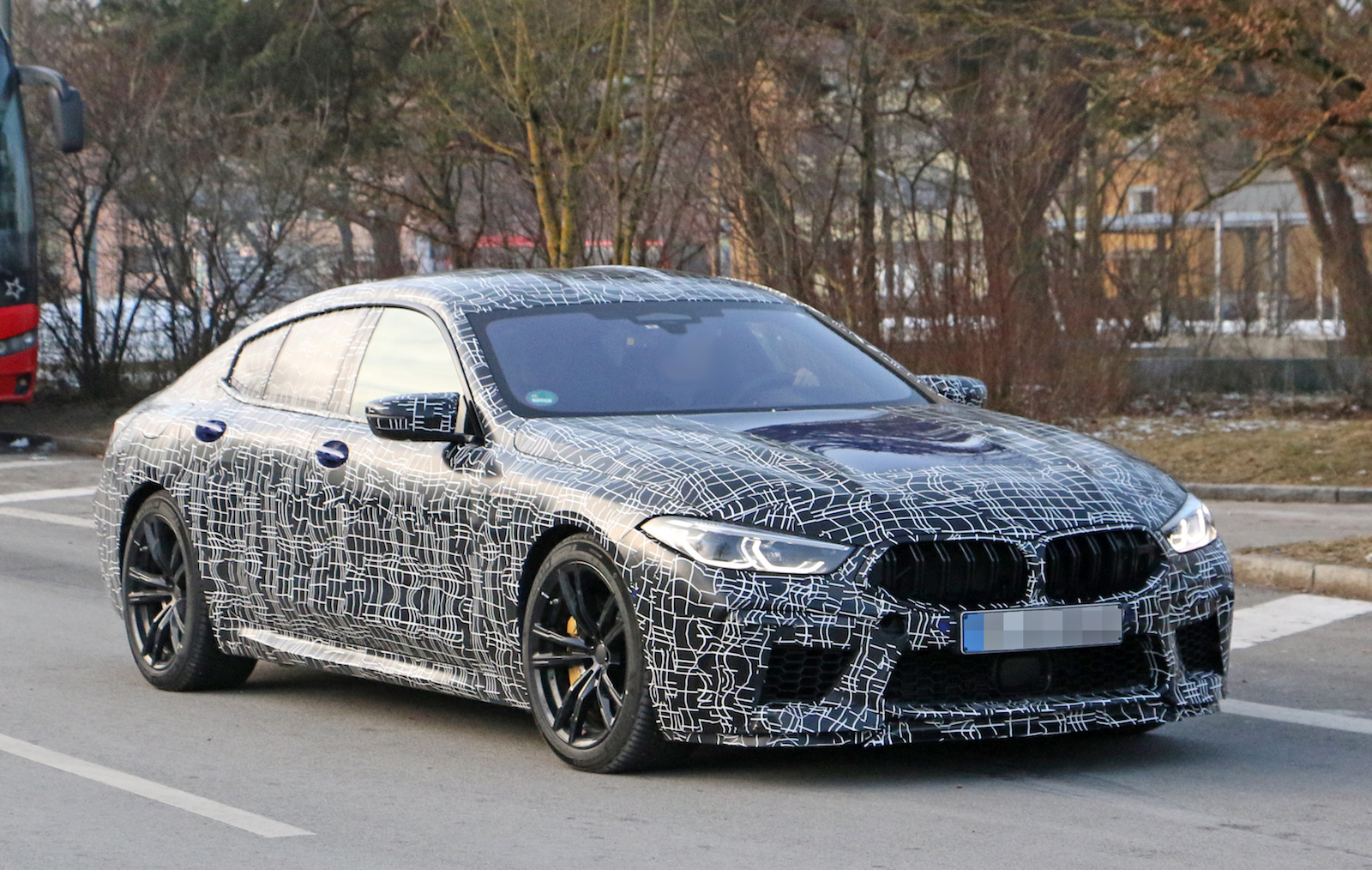 BMW M8 Gran Coupe 2020 года фото 2